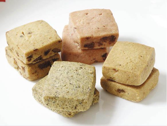 之前推出的四款曲奇口味,冬棗、百爵茶青檸、士多啤梨及鳳梨,由於不加防腐劑及香精,大家自然吃得更放心。