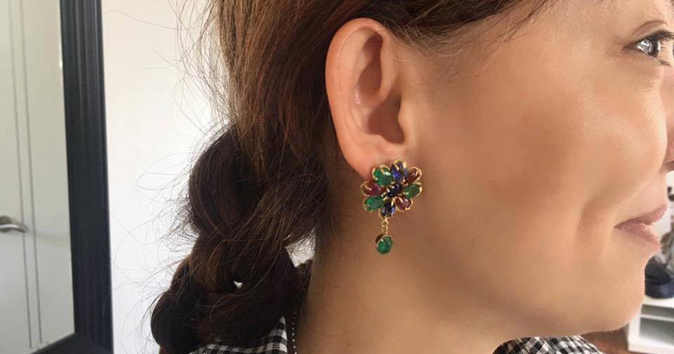 翁靜晶年前在Facebook上也介紹過威爾斯黃金打造的耳環,她稱之為絕種無價寶。