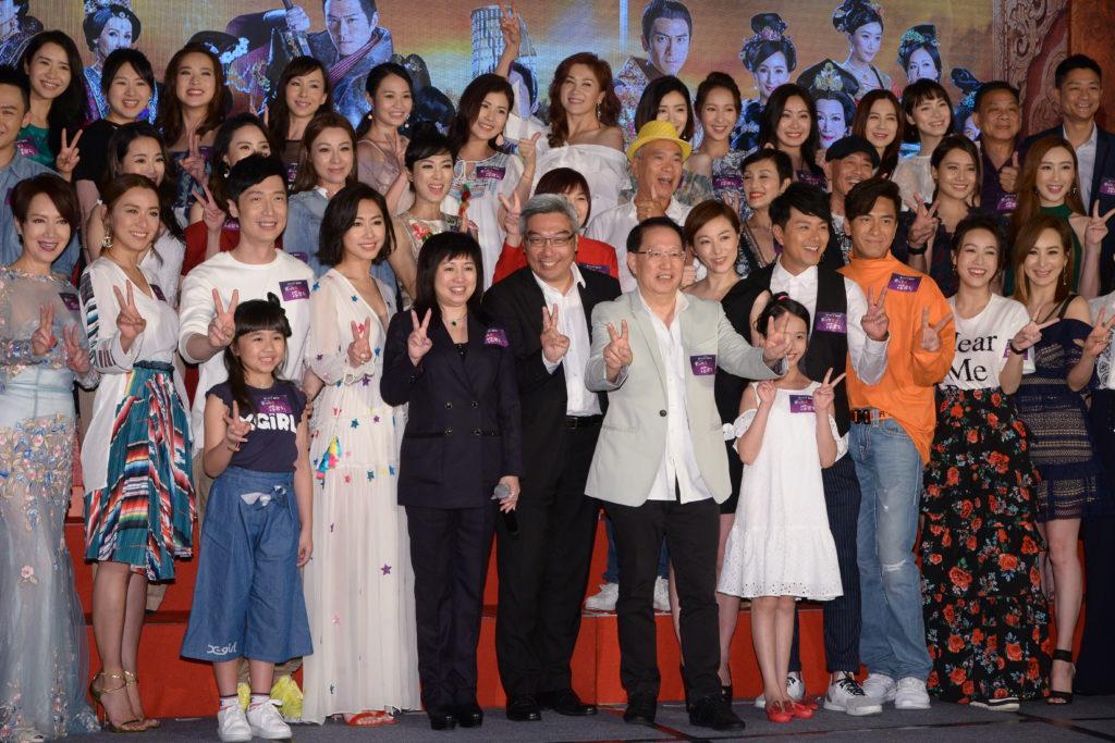 《深宮計》本周一首播,無綫高層杜之克及總監製梅小青與眾演員一起出席首播會。