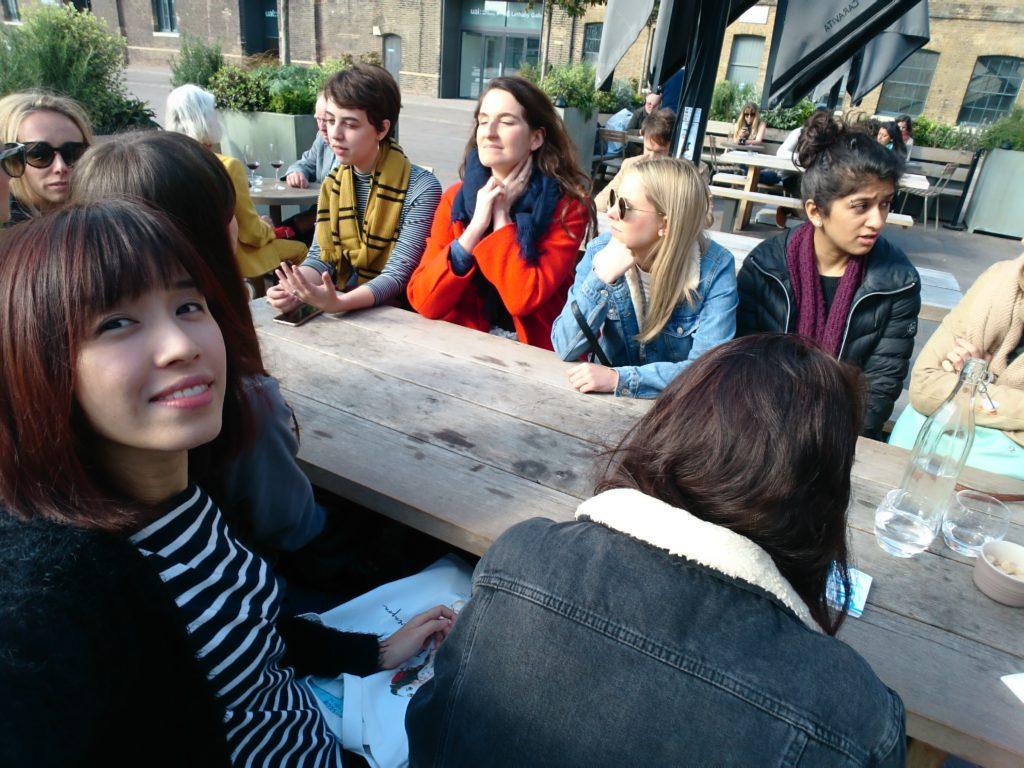 郭詠嘉去年赴英國知名學府Central Saint Martin修讀短期插畫班,與不同國籍的老師及同學交流。