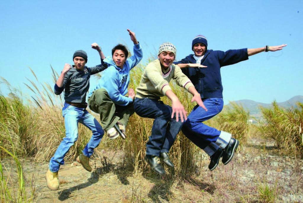 無綫當年力捧的小生陳鍵鋒、吳卓羲、黃宗澤、馬國明,私底下是好友。
