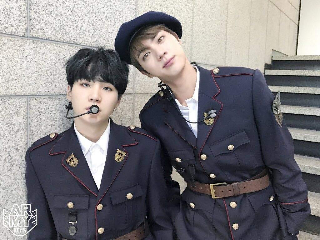 防彈少年團的Jin和SUGA現時廿五歲,即將受到新兵役法影響。