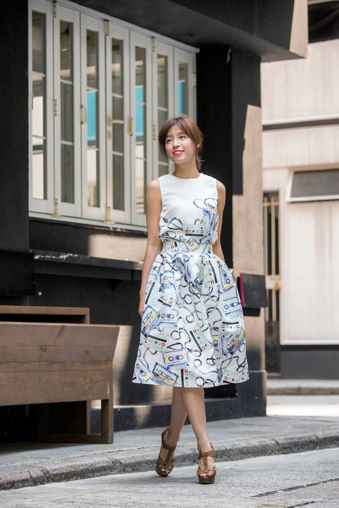 郭詠嘉將作品投放在時裝上,更推出個人時裝系列,充滿春日色彩。