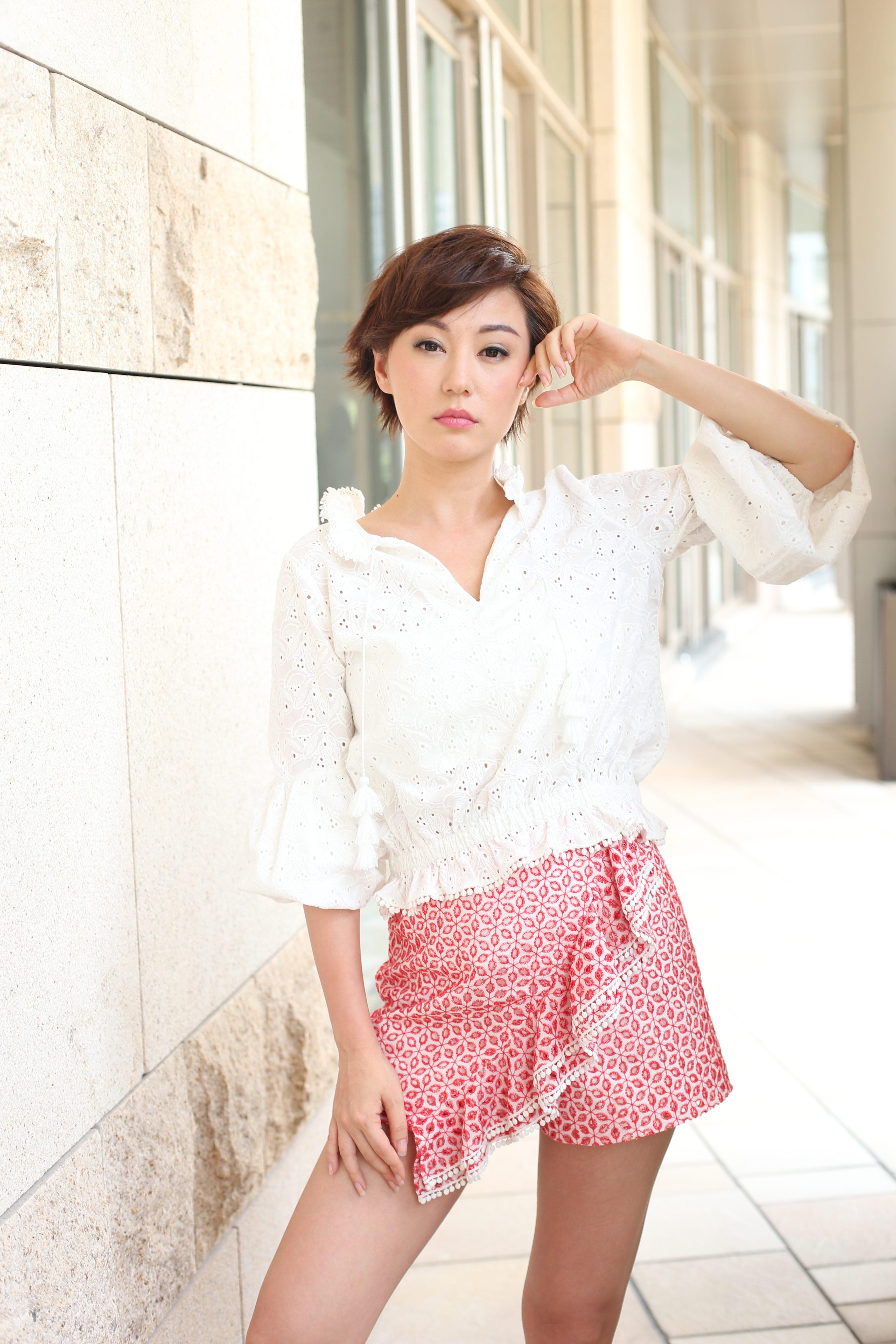 劉心悠表示第一次用廣東話拍劇,壓力相當大,幸好劇組一早給劇本,令她有足夠時間準備。