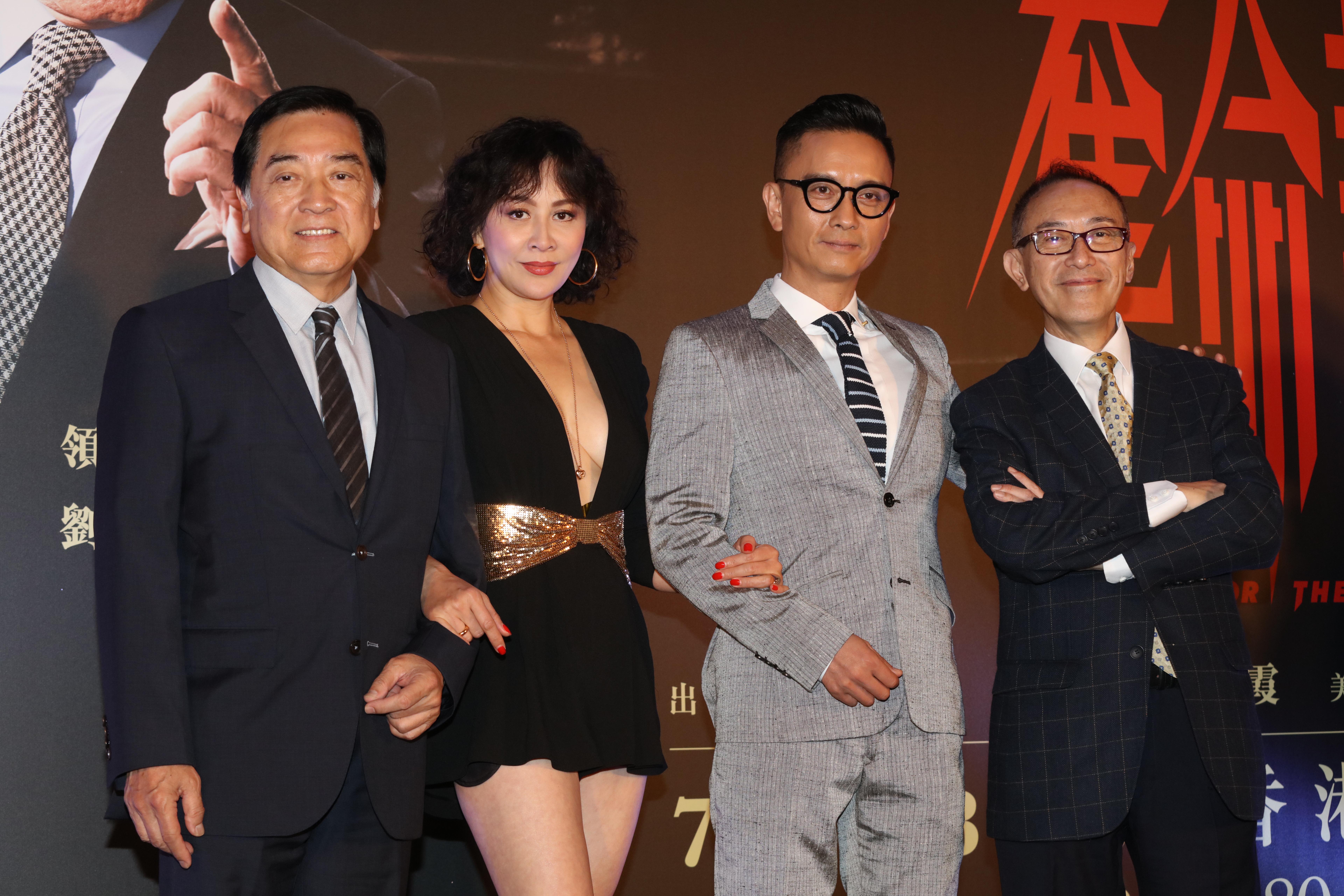 首次演出舞台劇《奪命証人》的秦沛表示壓力大,幸好同劇演員劉嘉玲給予一些意見,令他輕鬆不少。