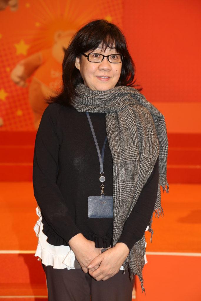 余詠珊說每年港姐外景拍攝,無綫都要花費幾百萬。