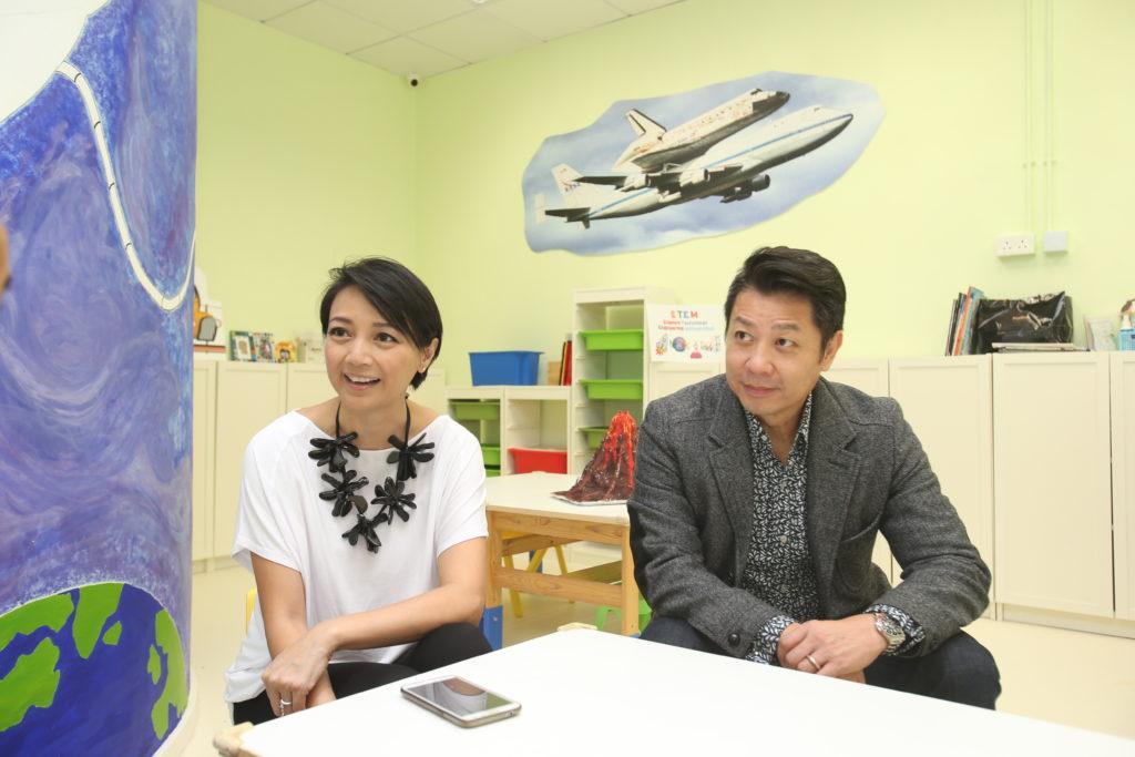 楊婉儀與丈夫王帥勳近年專注辦教育中心,當年更在其教育中心接受本刊訪問,今年該中心已悄悄結業。