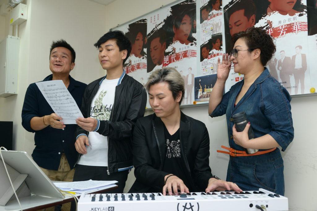 音樂總監梁榮智為《絕代芳華》設計了不少好歌。