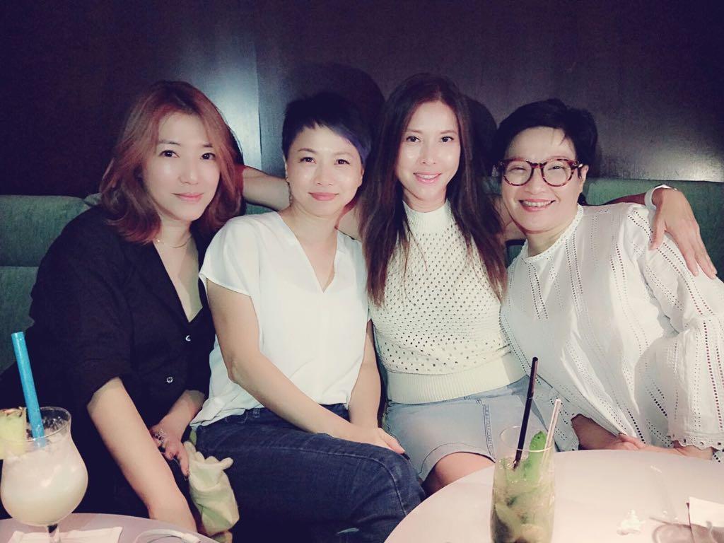 關寶慧、劉玉翠、李婉華和劉雅麗同是演藝學院畢業,空閒時會約出來見面。