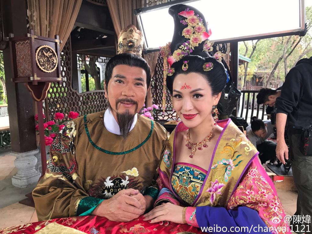 相隔十八年回無綫拍《宮心計2深宮計》,他大讚皇妹陳煒有資格拿視后。