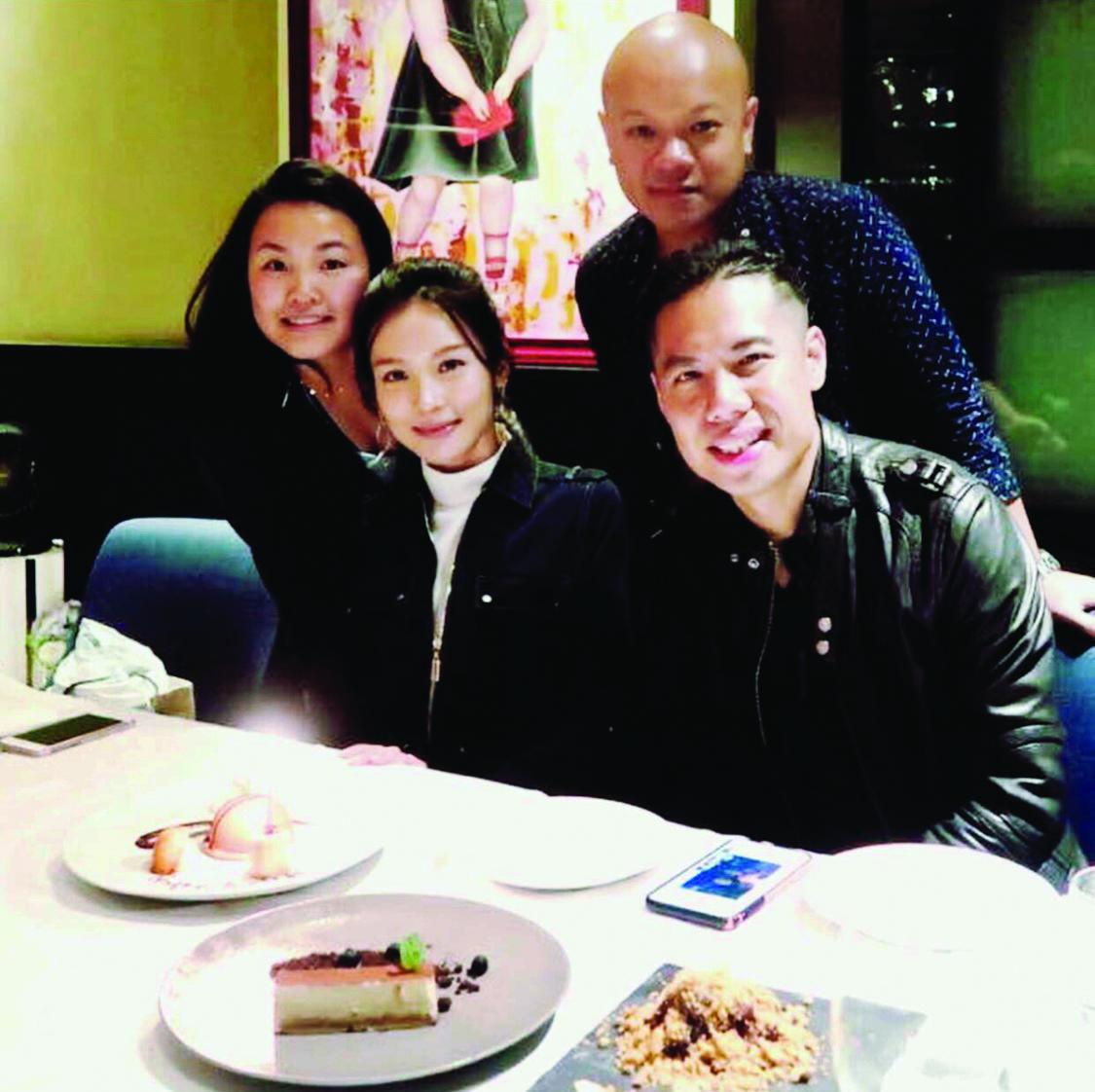 她表示與男友陳炳銓拍拖多年,完全沒有距離感,更大讚對方體貼。
