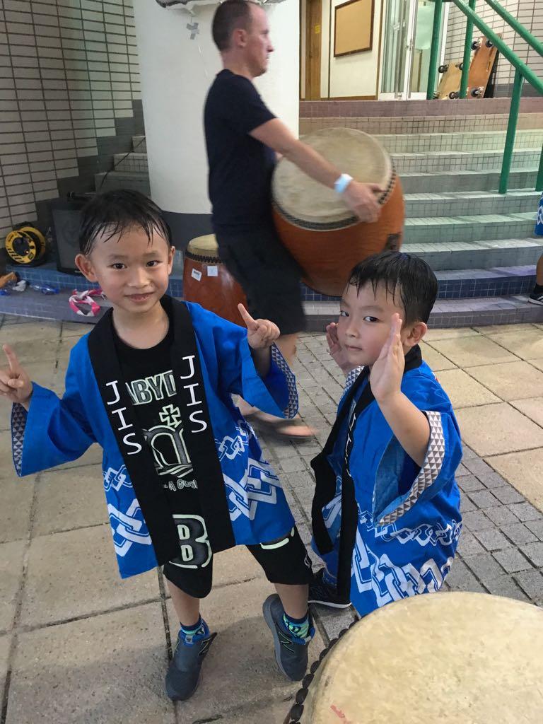 選讀日本國際學校,除了王殷廷本身喜歡日本這地方外,也希望小朋友在無壓力環境下學習。