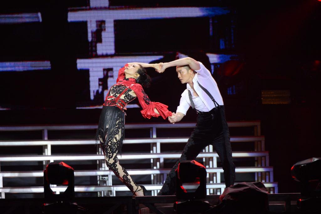 與排舞師Chris的探戈演出,令台下觀眾目瞪口呆,短短幾分鐘已經看出他們的默契。