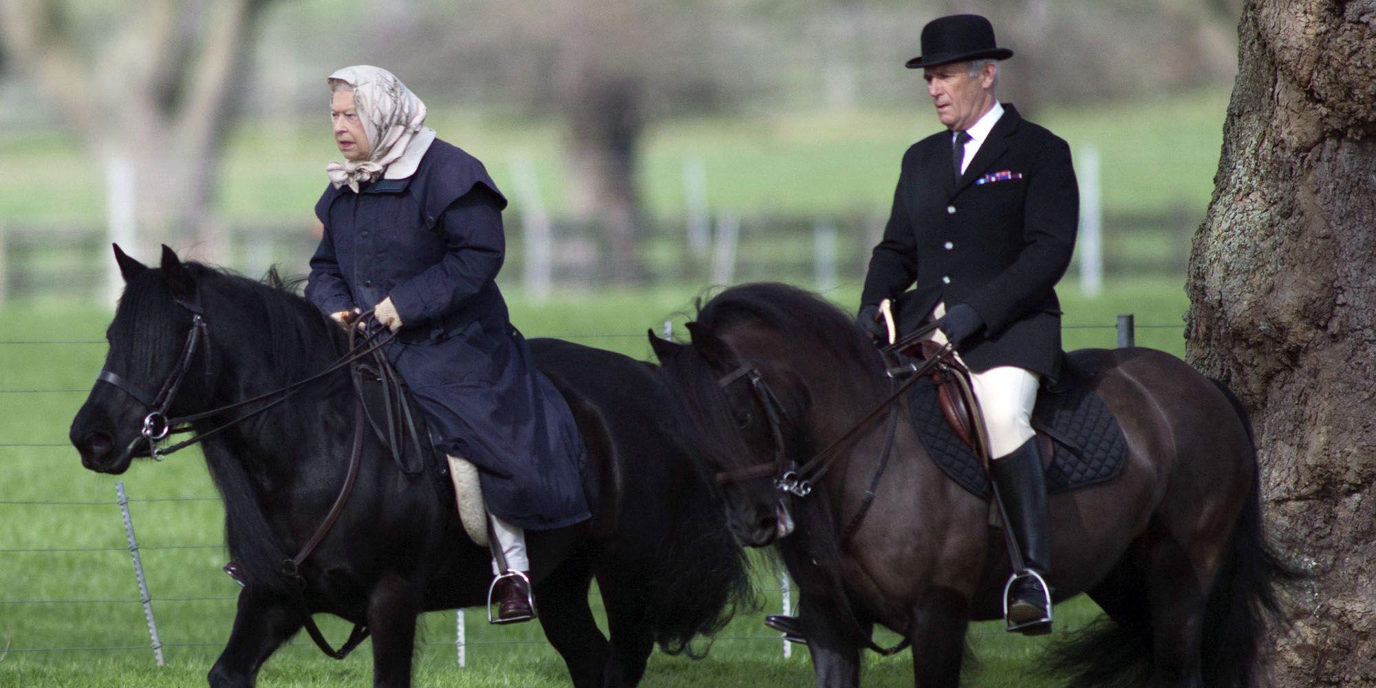 年屆92歲的英女王不時會騎馬外出