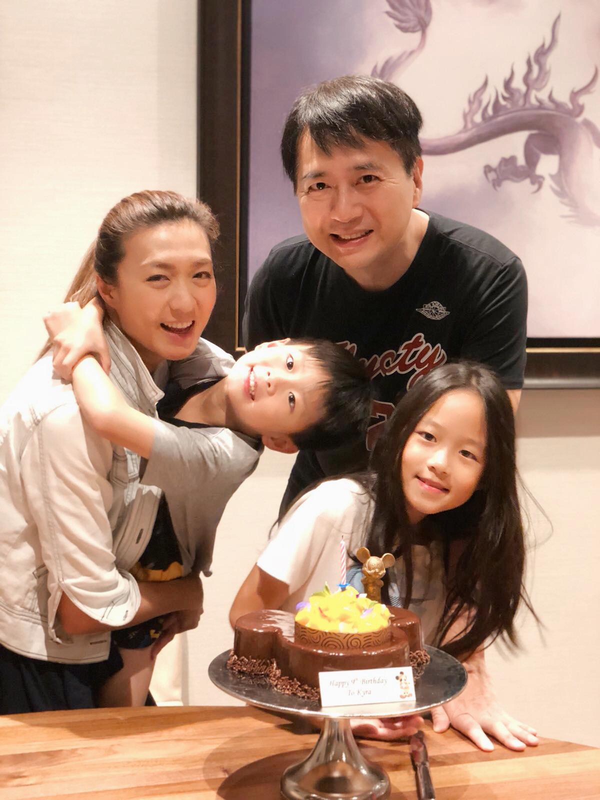 姚嘉妮與林祖輝結婚十二年,育有大女兒Kyra及兒子Kyros。