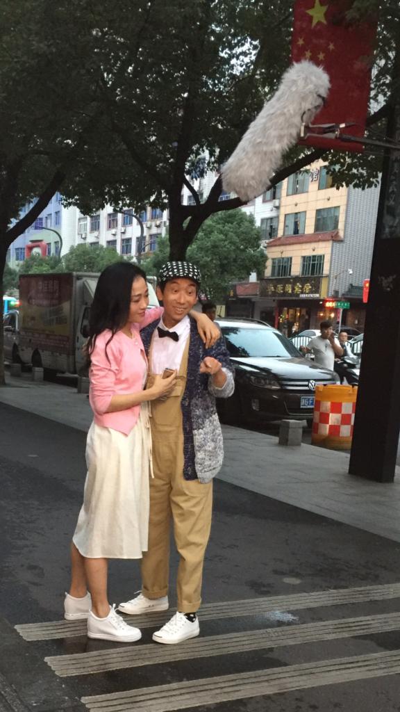 楊玉梅與張達明幾年前在張堅庭一部電影認識,今次在電影《獨自去逃歡》中飾演情侶。
