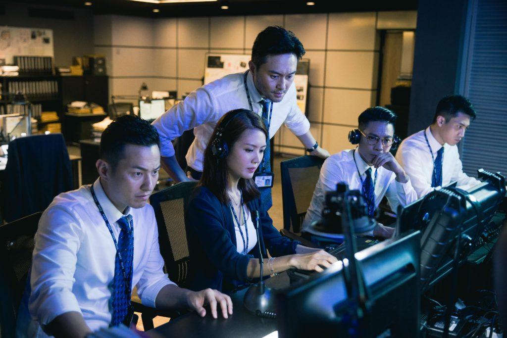 飾演聯合財富情報組總督察的張智霖,與陳庭欣調查洗黑錢案。