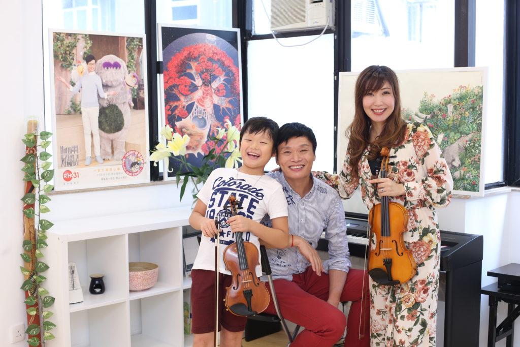 Harry哥哥跟日籍小提琴家太太一丸綾子,育有九歲的兒子王勇二,一家三口在音樂上很有默契。