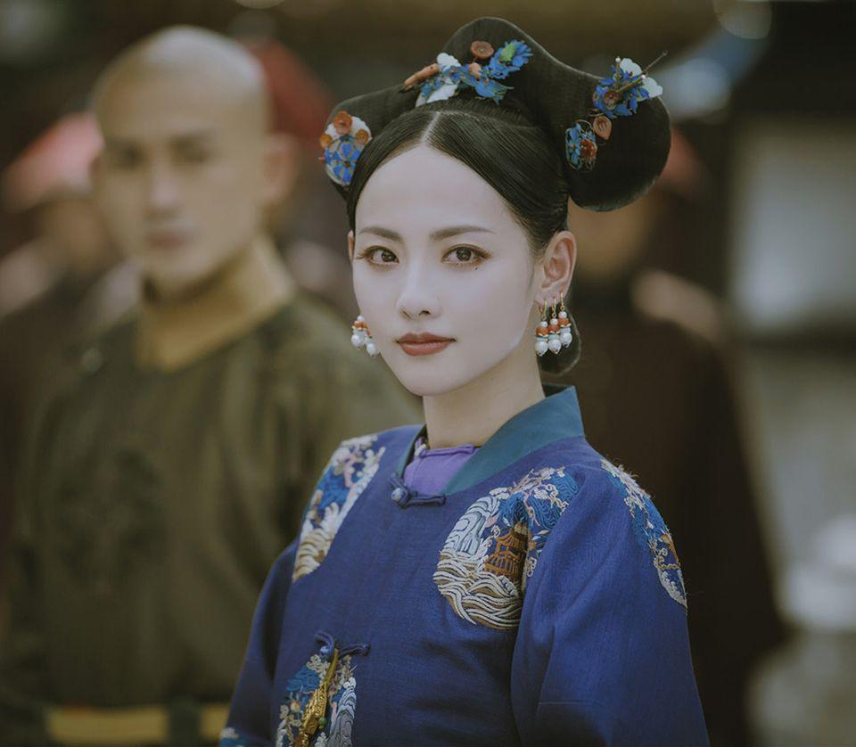 由張嘉倪飾演的容妃很快便出現