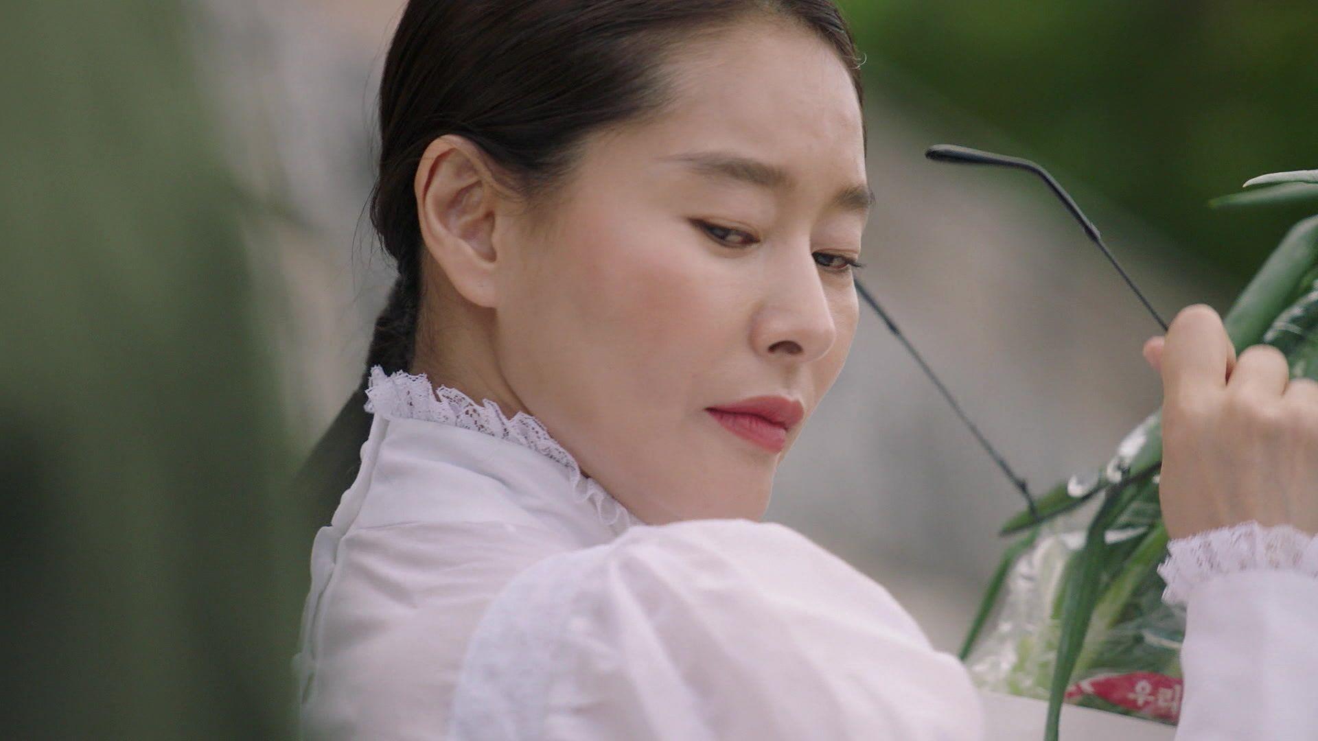 芮智媛飾演神秘保母