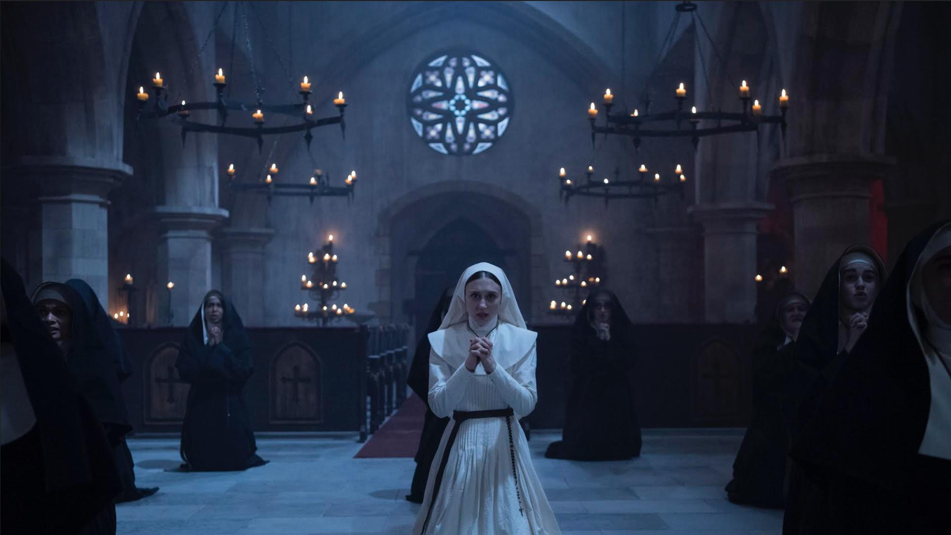 泰莎法米嘉演繹出角色面對邪靈仍不動搖的堅定信仰,但她直言戲外嚇到無覺好瞓。