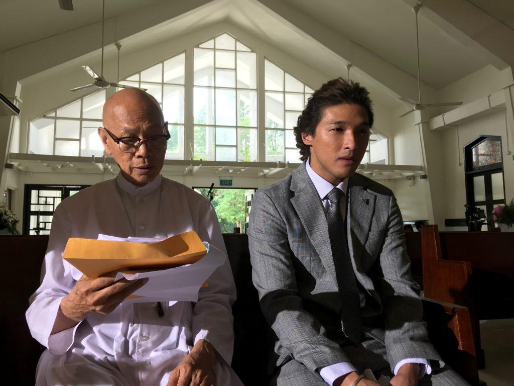 劇中跟黃又南合作,二人早前跟大隊到新加坡拍外景。