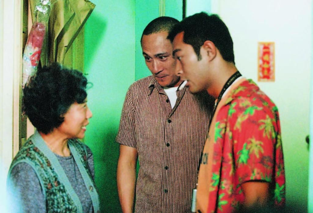 羅蘭除了與古天樂拍過一系列《陰陽路》,亦曾偕吳鎮宇拍《爆裂刑警》。