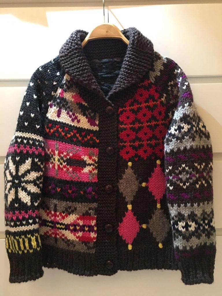 陳秀雯親手織的冷外套,甚有北歐風格。