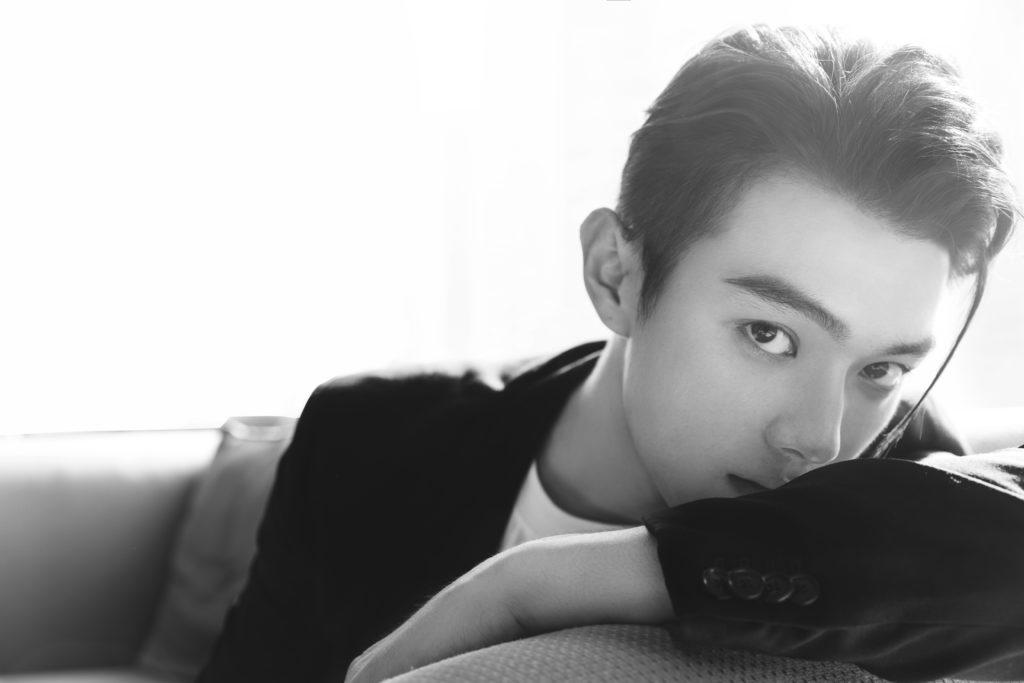 二十三歲的許凱,參加全國模特兒大賽入行,一六年與歡娛影視簽約,跟吳謹言屬同公司。