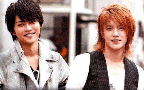 「瀧與翼」於2002年出道