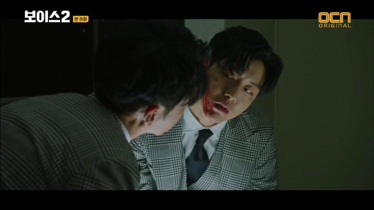 拍劇形象帥氣深情的李正信,在《奪命殺聲2》驚喜客串殺人成癮的角色,短短出場幾分鐘已經觀眾非常深刻。