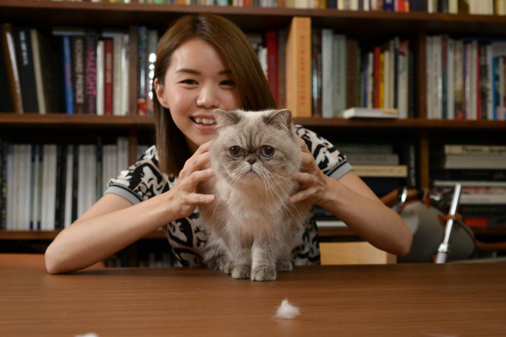 西瓜覺得跟貓貓相處,令她感到平靜及治療,她是在寵物店買麼麼回來,不過這次買寵物的行為,亦令她不斷自責。