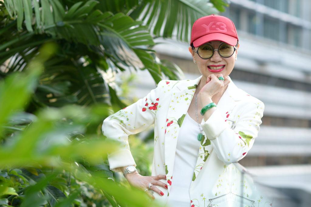 柳姐明年三月在大會堂開個人演唱會