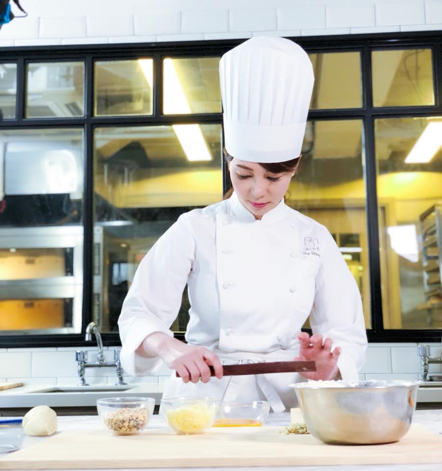 黃婉曼當初以為去日本學做麵包是很輕鬆的事,實情是每天朝九晚六全日制課程,少點精力及體力也不行。