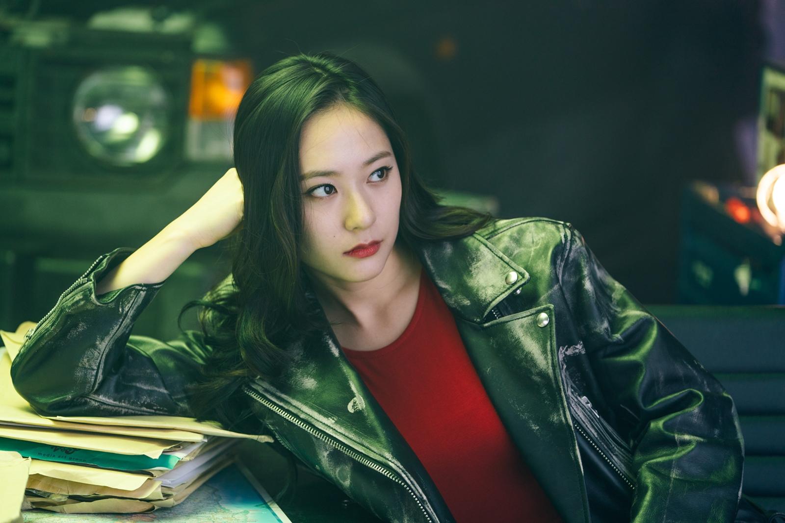 出名「冰山公主」的Krystal,演車雅玲入型入格!