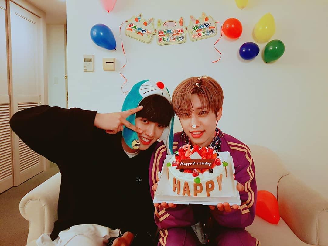 好兄弟慶祝東賢生日