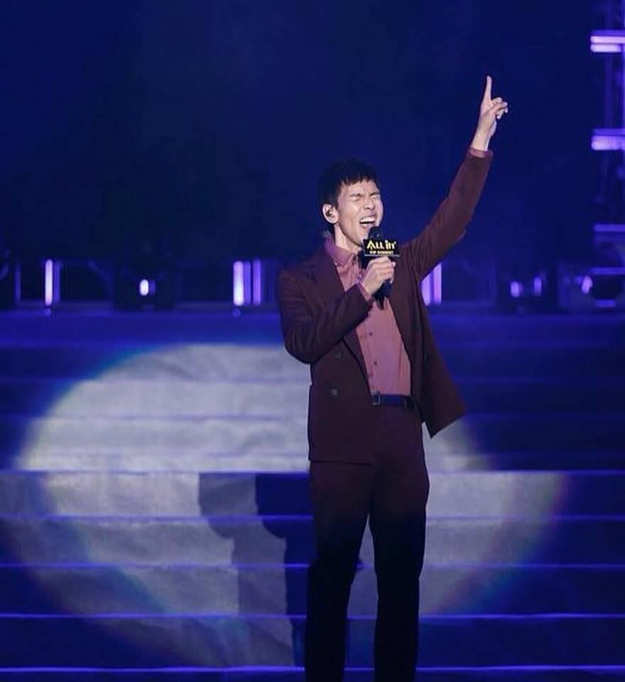 林奕匡開始在內地有知名度,幸好他的《高山低谷》內地歌迷都識唱。