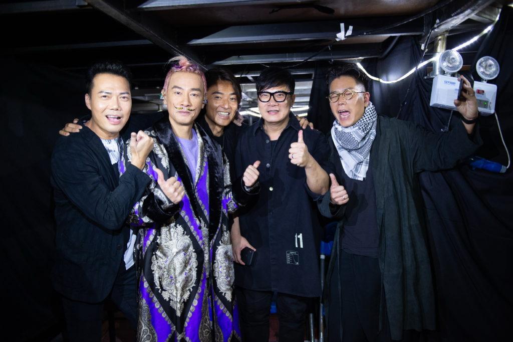 幾位「黃金兄弟」鄭伊健、謝天華、錢嘉樂和林曉峰驚喜現身佛山站。
