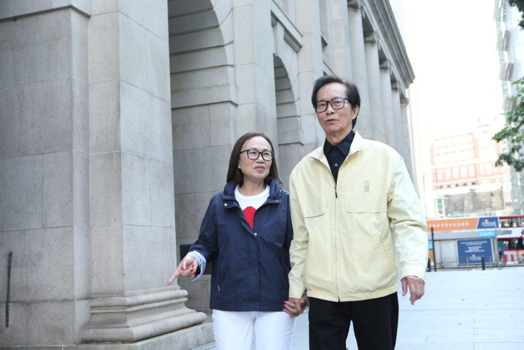 華哥文千歲與太太梁少芯享受退休生活