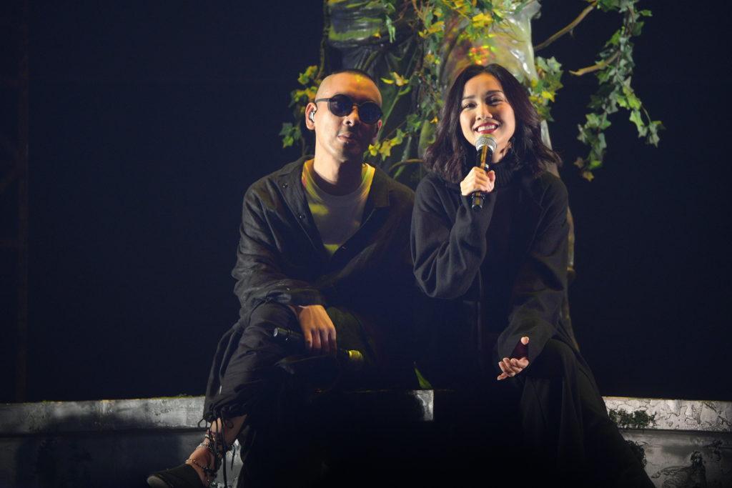 Juno和Kay以一五年合唱的《羅生門》揭開音樂會序幕