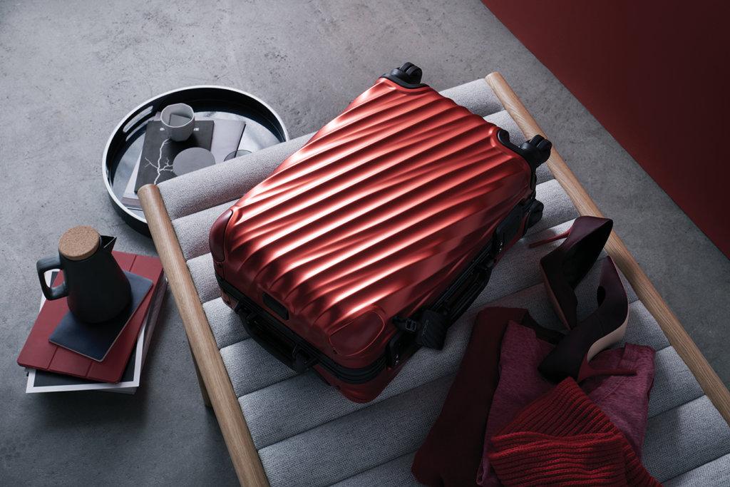 19 Degree 季度限定焰紅色鋁合金短途寄艙行李箱 $8,590