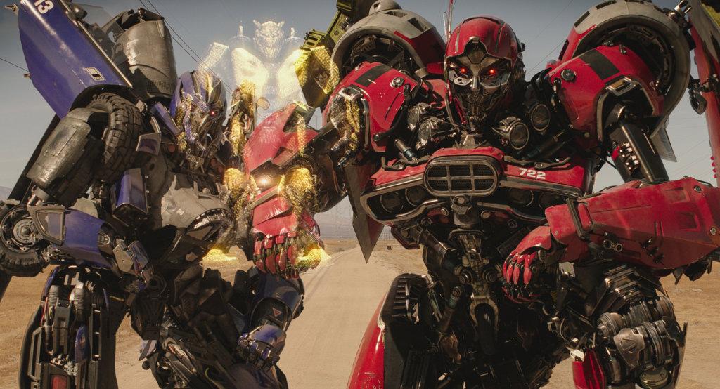 狂派成員粉碎及反彈球負責到地球追殺大黃蜂