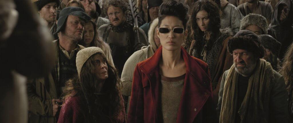 南韓搖滾女歌手吉希飾演的機師,是片中最精彩的角色之一。
