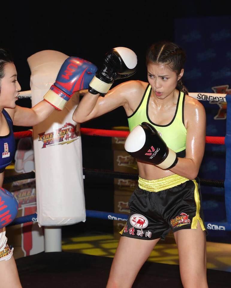 劉穎鏇練習西洋拳時,一度用錯力出拳,令她右手腕舊患復發。