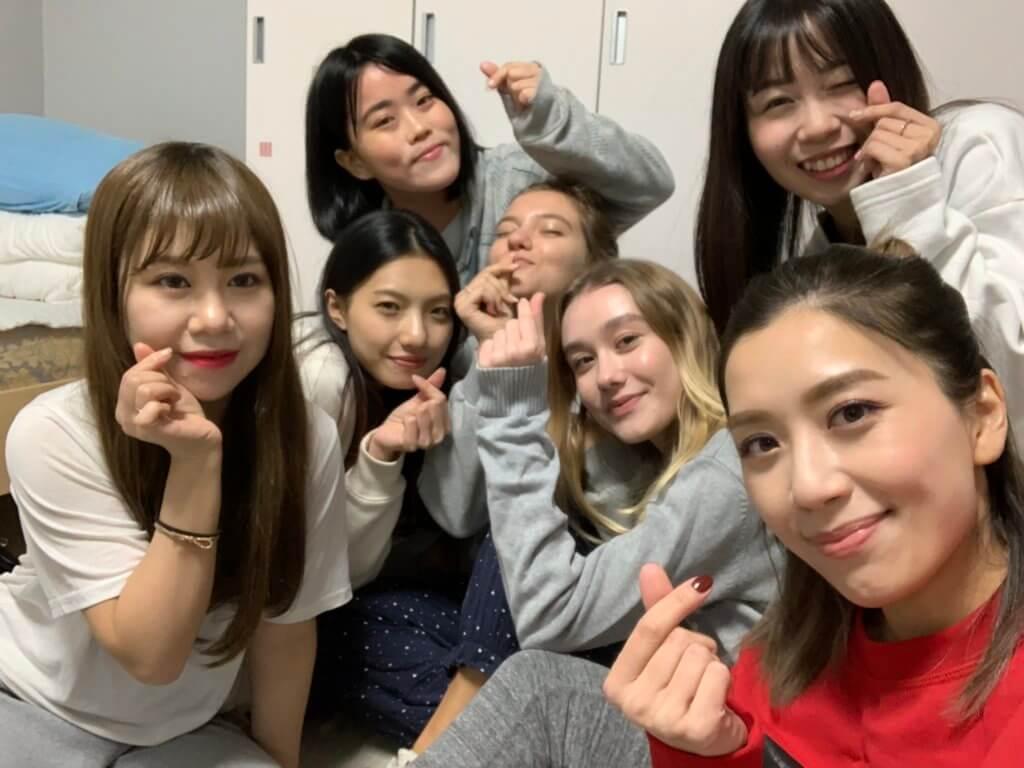 十多天的韓國拍攝之旅,智雯每天與女團成員一起生活,感情非常好。