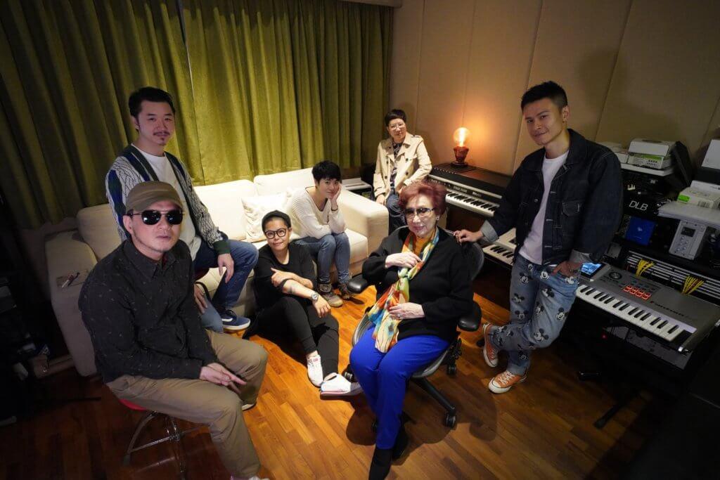 進念一月舉行《潘迪華音樂旅情演唱會》,潘姐姐近日與黃耀明、林二汶、岑寧兒、陳健安等密密籌備。