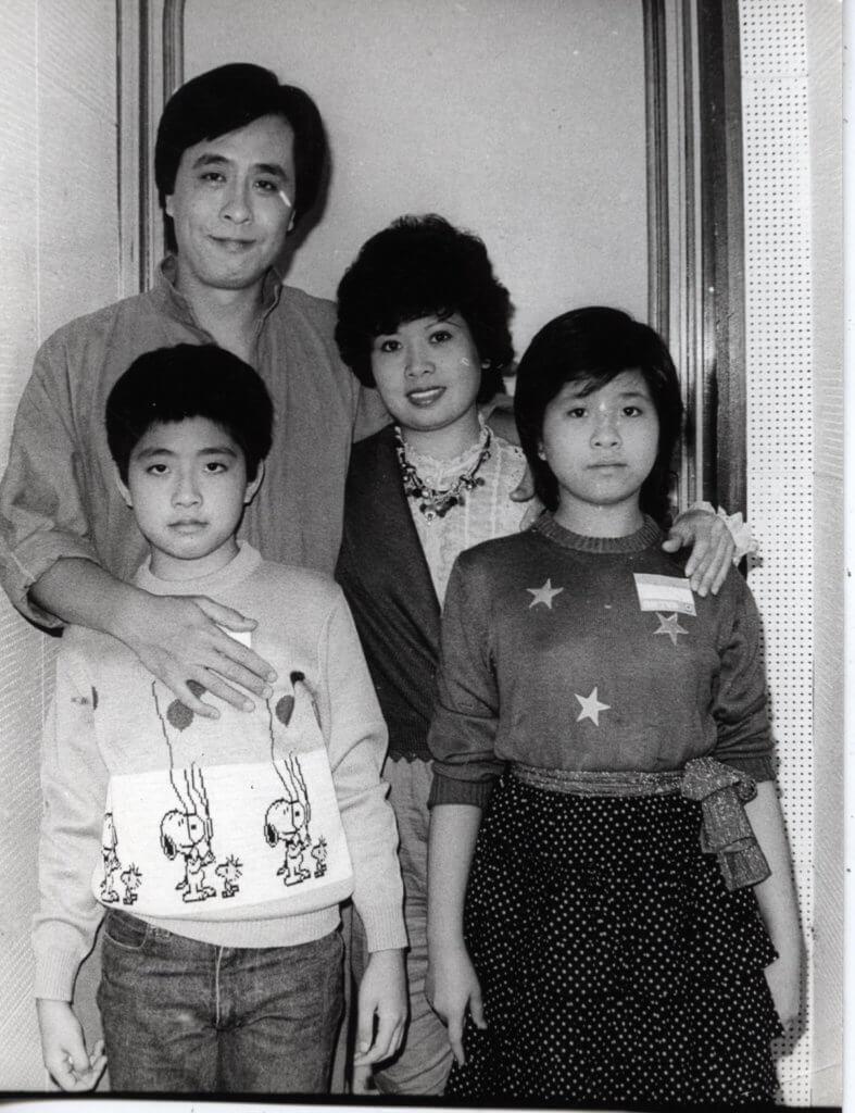 葉振棠第一段婚姻育有一子一女,子女如今已年過四十,孫兒亦十多歲。