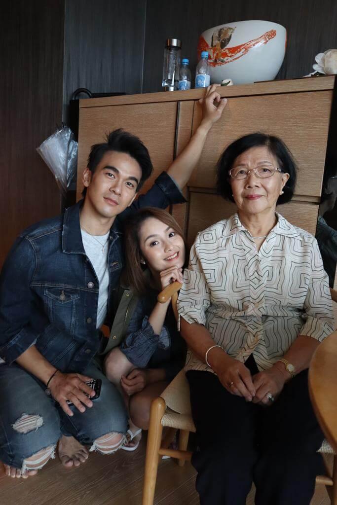 龐景峰有份構思MV故事及擔任副導演,更請來女友Peggy及嫲嫲演出。