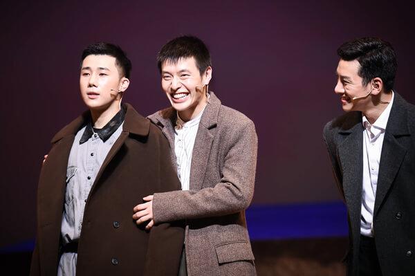(左起)聖圭、姜河那、池昌旭