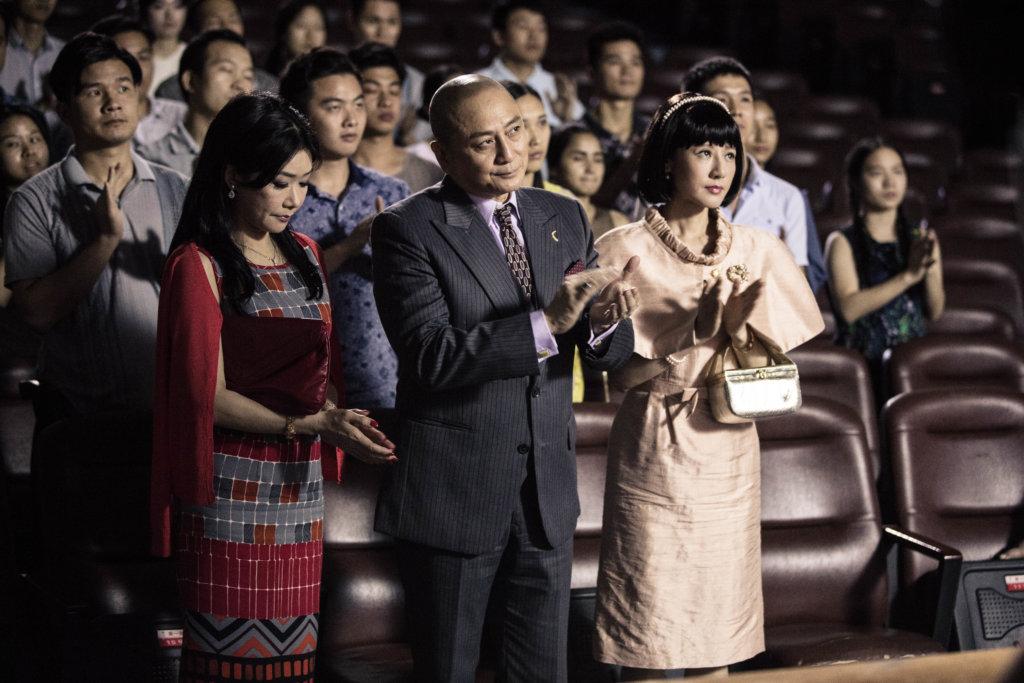 湯鎮業在劇中左右逢源,康華是大姨太,張慧儀是從鄭則仕手中搶回來的小老婆。